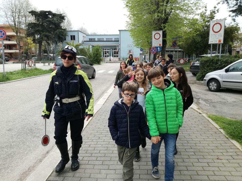 Sopralluogo nel quartiere con la Polizia locale